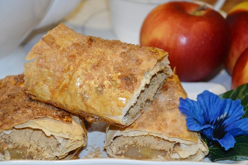 Штрудель с яблоками из лаваша рецепт пошагово